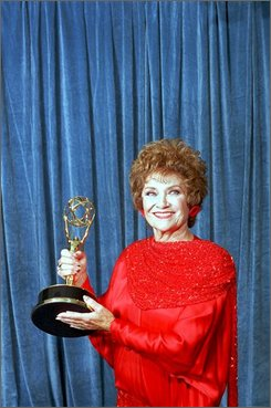 "In this Aug. 28, 1988 file photo, actress Estelle Getty displays the Emmy she won at the 40th Annual Primetime Emmy Awards in Pasadena, Calif.  Getty won best supporting actress in a comedy series for her role in ""The Golden Girls.""  Getty has died at the age of 84. Her son, Carl Gettleman, says she died early Tuesday at home in Los Angeles. (AP Photo/Lennox McLendon, file)"