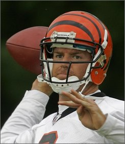 Cincinnati Bengals quarterback Carson Palmer throws a pass during the team's first practice at training camp, Monday, July 28, 2008, in Georgetown, Ky. (AP Photo/Al Behrman)