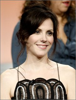  In this July 18, 2008 file photo, actress Mary-Louise Parker, from &quot;Weeds&quot; smiles during the Showtime panel at the Television Critics Association summer press tour in Beverly Hills, Calif. (AP Photo/Matt Sayles, file)