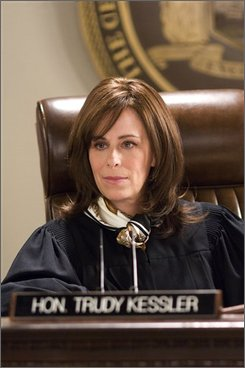 "In this image released by TNT, Jane Kaczmarek portrays judge Trudy Kessler in the legal drama, ""Raising the Bar,"" premiering Sept 1, at 10:00 p.m. EDT on TNT. (AP Photo/TNT, Richard Foreman)"