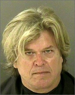 In this image released by the Indian River County Sheriff's Office, comedian Ron White is shown, Wednesday, Sept. 10, 2008, after his arrest in Vero Beach, Fla. The Vero Beach Police Department arrested White Wednesday on charges of possession of marijuana and drug paraphernalia. (AP Photo/Indian River County Sheriff's Office)