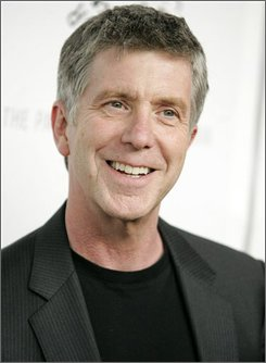 """In this March 21, 2008 file photo, Tom Bergeron poses on the press line at the """"Dancing With The Stars"""" panel discussion in Los Angeles.  (AP Photo/Dan Steinberg, file)"""