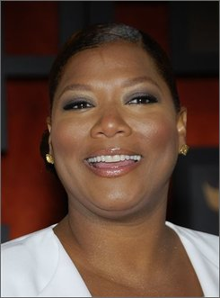 "Queen Latifah is shown in this Jan. 7, 2008, file photo in Santa Monica, Calif. Queen Latifah will play vice presidential debate moderator Gwen Ifill on ""Saturday Night Live"" this weekend if the program goes ahead with a planned sketch. (AP Photo/Dan Steinberg, file)"