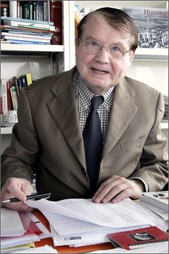 In this June 5, 2006 file photo, French scientist Luc Montagnier poses in Paris. Three European scientists shared the 2008 Nobel Prize in medicine on Monday, Oct. 6, 2008 for separate discoveries of viruses that cause AIDS and cervical cancer, breakthroughs that helped doctors fight the deadly diseases. French researchers Francoise Barre-Sinoussi and Luc Montagnier were cited for their discovery of human immunodeficiency virus, or HIV. (AP Photo/Jacques Brinon, File)