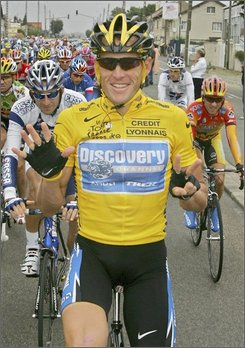 In this July 24, 2005 file photo, Lance Armstrong, of Austin, Texas, signals seven for his seventh straight win in the Tour de France cycling race, as he pedals during the 21st and final stage of the race between Corbeil-Essonnes, south of Paris, and the French capital.  Lance Armstrong, who announced last month that he is making a comeback after three years in retirement, agreed to ride in next year's Giro d'Italia, race organizers said Monday Oct. 13, 2008, giving him a crucial test before his attempt to win an eighth Tour de France title. The American has never competed in the three-week Giro, considered the sport's most prestigious stage race after the Tour de France. The 2009 Giro will mark the 100th anniversary of the race and is scheduled for May 9-31. The Tour de France starts July 4.. (AP Photo/Peter Dejong, File)