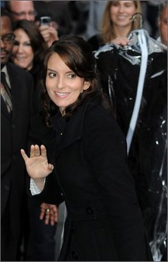 "Actress Tina Fey arrives for a taping of the ""Late Show With David Letterman"" on Monday Oct. 13, 2008, in New York.  (AP Photo/Brian McDermott)"