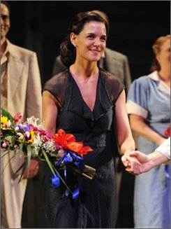 "Actress Katie Holmes takes a bow at the opening night of the Broadway play ""All My Sons"" on Thursday, Oct. 16, 2008 in New York.  (AP Photo/Peter Kramer)"