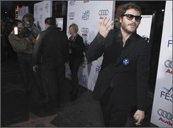 "Actor Joaquin Phoenix arrives at the premiere of ""Che"" during AFI Fest 2008 on Saturday, Nov. 1, 2008. (AP Photo/Matt Sayles)"