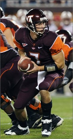 Virginia Tech's Sean Glennon looks to hand the ball off during the first half of an NCAA college football game in Blacksburg, VA.,Thursday, Nov 6, 2008.  (AP Photo/Don Petersen)
