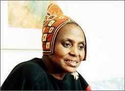 This is a 1988 file photo of South African singer Miriam Makeba.   The emergency room of the Pineta Grande Clinic, a private facility in Castel Volturno, Italy, says the 76-year-old singer died early Monday Nov. 10, 2008.(AP Photo/FILE)