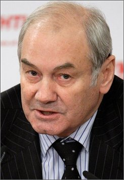 Retired Gen. Leonid Ivashov, the former head of the Defense Ministry's international cooperation department, speaks during a news conference in Moscow Tuesday, Nov. 18, 2008. The Kremlin is already grappling a deepening economic crisis. Now it faces something vastly more worrying - a budding revolt in the military to the most sweeping overhaul of Russia's armed forces in over a generation. Top retired generals warned Tuesday that major reforms aimed at modernizing the 1.1 million-member armed forces are destroying Russia's military capability and called for Defense Minister Anatoly Serdyukov to be sacked and prosecuted. (AP Photo/Ivan Sekretarev)