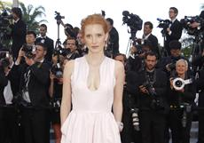 batty for nudity: possible full frontal alert : Jessica Chastain