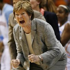 Tennessee women's basketball coach Pat Summitt says this year's Lady Vols can contend for a national championship.