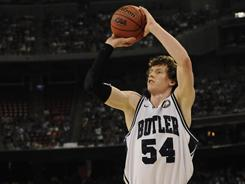 With a win in the national title game vs. Connecticut, Matt Howard and the rest of Butler's seniors can tie the school record for the most career victories with the Bulldogs.