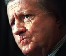 Legendary New York Yankees owner George Steinbrenner dies at the age of 80 [Video]