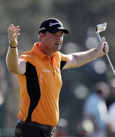 Live blog: Hanson leads, Mickelson charges
