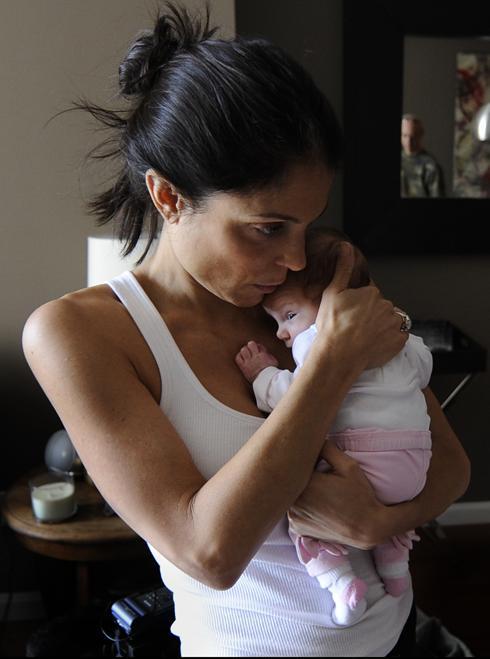bethenny frankel baby pictures. Bethenny Frankel has her hands