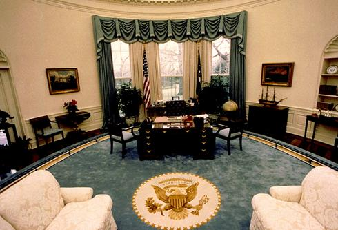 bush in the Oval Office