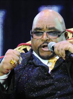 Solomon Burke has died, says a spokeswoman for Amsterdam-Schipol airport, where his plane from Los Angeles landed on Oct. 10.