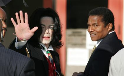http://i.usatoday.net/communitymanager/_photos/lifeline-live/2010/12/13/jackiejacksonx-wide-community.jpg