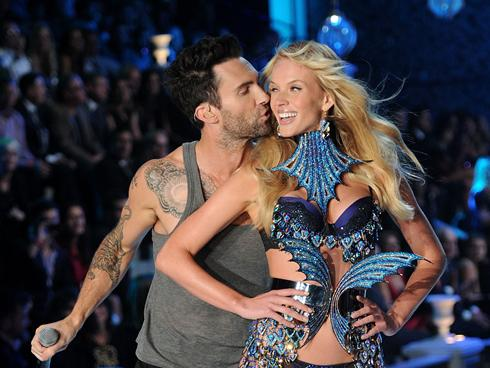 Adam Levine Victoria's Secret Fashion Show Adam Levine of Maroon plants