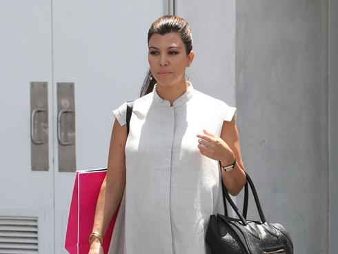 Kourtney Kardashian Gives Birth To Daughter