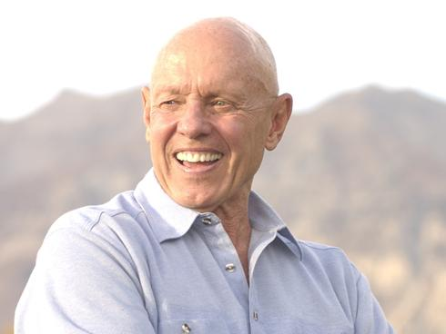 Author Stephen R. Covey dies in Idaho