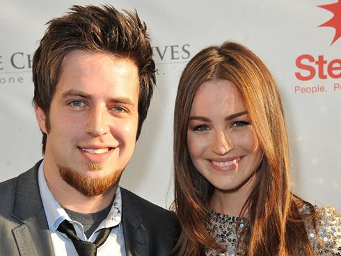 """American Idol"" Winner Lee DeWyze Tied The Knot"