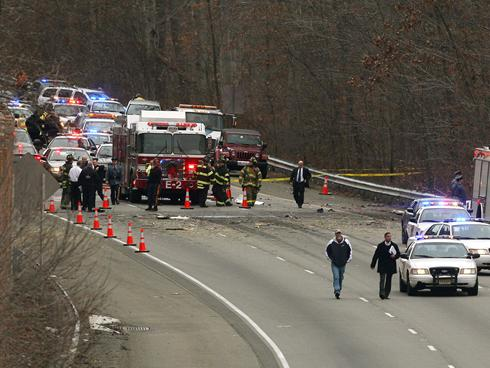 5 dead in plane crash on N.J. highway - News from USA Today