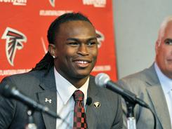The Falcons traded up 21 spots in the first round to select Julio Jones with the sixth overall pick.