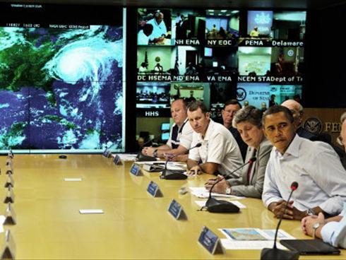 Obama visits FEMA headquarters as hurricane hits