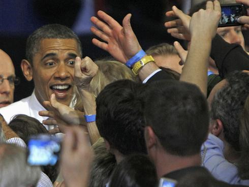 Obama hits the campaign trail in Ohio, Virginia