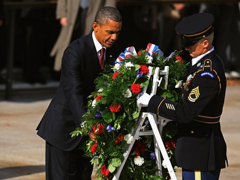 Obama honors the fallen on Memorial Day weekend