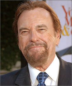 Actor Rip Torn has opted for a non-jury trial in his DUI case in suburban New York.
