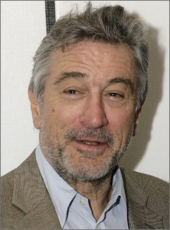 Robert De Niro was diagnosed with prostate cancer just two days after he signed a medical certificate for the film Hide and Seek.