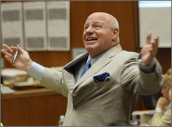 Bruce Cutler addresses the court during Phil Spector's murder trial in Los Angeles on May 7.
