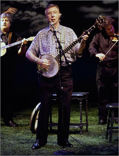 """""""He just had the knack of making an audience laugh or cry. ... holding them in his hands,"""" friend Liam Clancy said of Tommy Makem, above."""