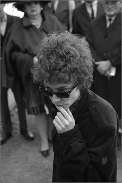 Androgynous side: Cate Blanchett plays Bob Dylan from the mid-1960s.