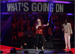 Word perfect:  Michelle Nivert sings What's  Going On on Don't Forget the  Lyrics! with Wayne Brady.