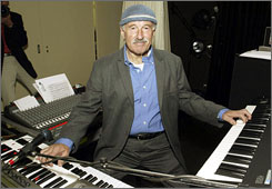 Joe Zawinul performs at his jazz bar Birdland in Vienna in 2004. Zawinul died Tuesday at the age of 75.