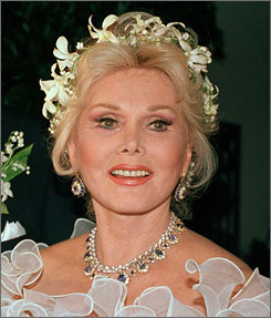 Zsa Zsa Gabor is having leg surgery Tuesday.