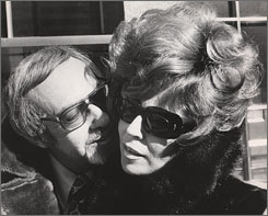 My little mania: Burt Pugach is the reason for Linda Riss' sunglasses in Crazy Love.