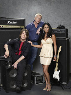 TV competition premieres tonight: Singer/songwriter John Rzeznik, left, Australian TV personality Ian Dickson and percussionist Sheila E. are the judges.