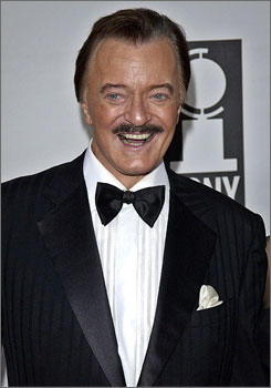 Robert Goulet is awaiting a lung transplant in a Los Angeles hospital.