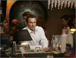 New season, new set: Dr. Christian Troy (Julian McMahon) moves to Los Angeles on Nip/Tuck.