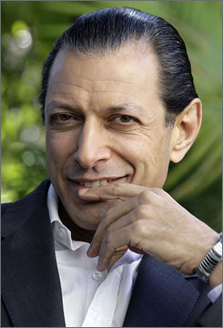 Jeff Goldblum's cable TV movie Pittsburgh is the focus of a lawsuit from a stagehand who wants a scene featuring her to be cut from the final version of the film.