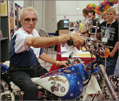 Evel Knievel, shown here in a 1998 file photo, died Friday. He suffered from diabetes and pulmonary fibrosis.