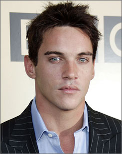 Tudors and August Rush star Jonathan Rhys Meyers is off the hook  for public drunkenness charges in Ireland after making a public apology.