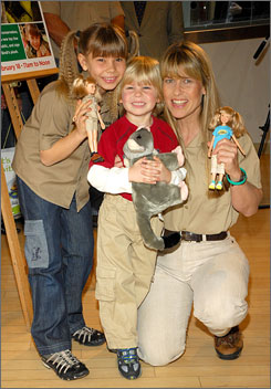 Bindi, Robert, and Terri Irwin at the unveling of Bindi's new toy line at FAO Schwarz.