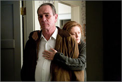 Need answers in Elah: Tommy Lee Jones and Susan  Sarandon want to know what happened to their son.